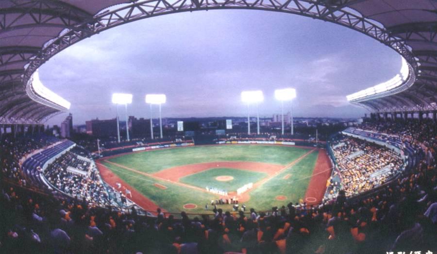 高雄棒球場